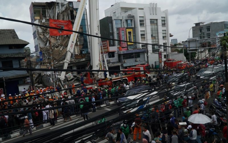 Penyebab Ambruknya Gedung Di Slipi, Jakarta Barat